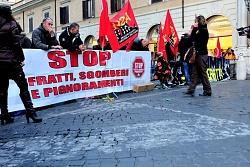 sit in comitati per la casa piazza ss apostoli 12/12/2013