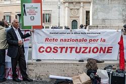 """Manifestazione contro la nuova legge elettorale """"italicum"""" in piazza Montecitorio 4/5/2015"""