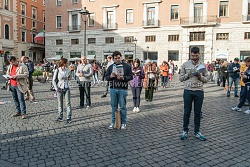 """""""Sentinelle in Piedi"""" in piazza San Silvestro 23/5/2015"""