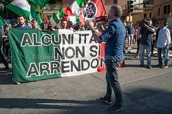 Presidio Casapound stazione Battistini per la chiusura dei campi Rom, 3/6/2015