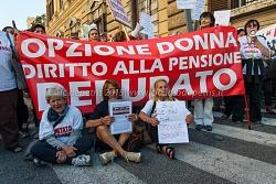 Sindacati manifestano davanti al MEF in Roma in favore degli esodati