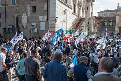 """""""Marino dimettiti"""" Piazza del Campidoglio 8/10/2015"""