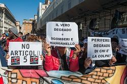 Manifestazione movimento per l'abitare a piazzza Sant'Apostoli 12/10/2015