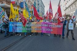 Sindacati della scuola protestano per il rinnovo del contratto di lavoro 24/10/2015