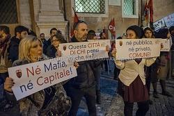 Raduno a piazza del Campidoglio dei lavoratori dei servizi pubblici contro il lavoro gratuito, 4/12/2015