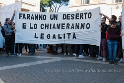 Associazioni territoriali dimostrano in Piazza del Campidoglio, 10/3/2017