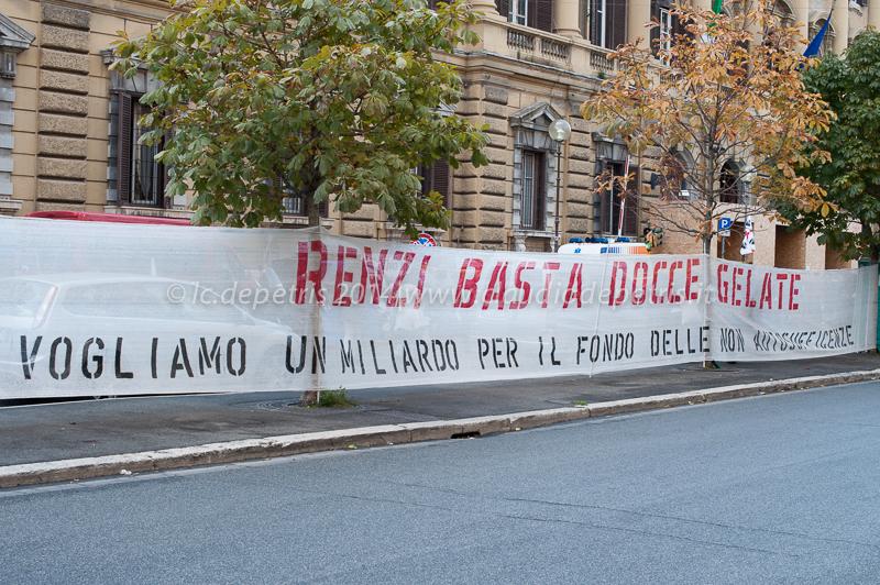 manifestazione malati SLA davanti al MEF 4/11/2014