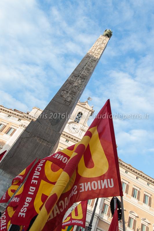 Presidio USB in piazza di Montecitorio contro il Dup, 27/1/2016