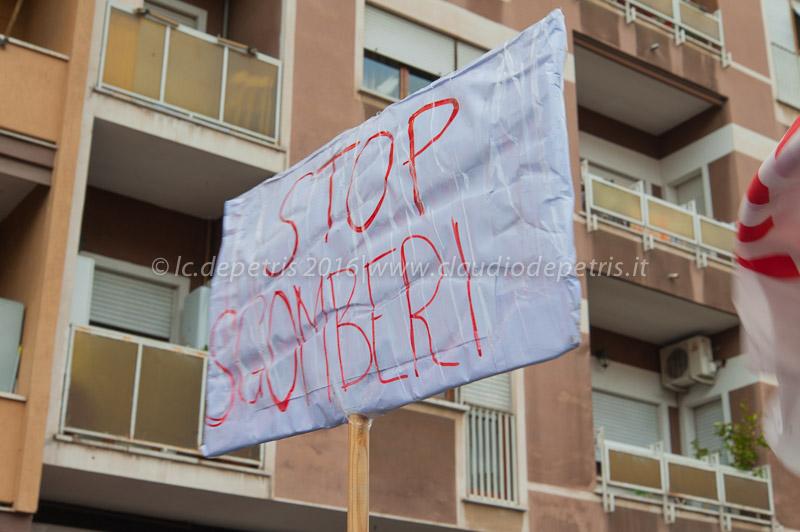 Movimenti per la casa, precari, studenti manifestano per rivendicare i propri diritti, 9/4/2016