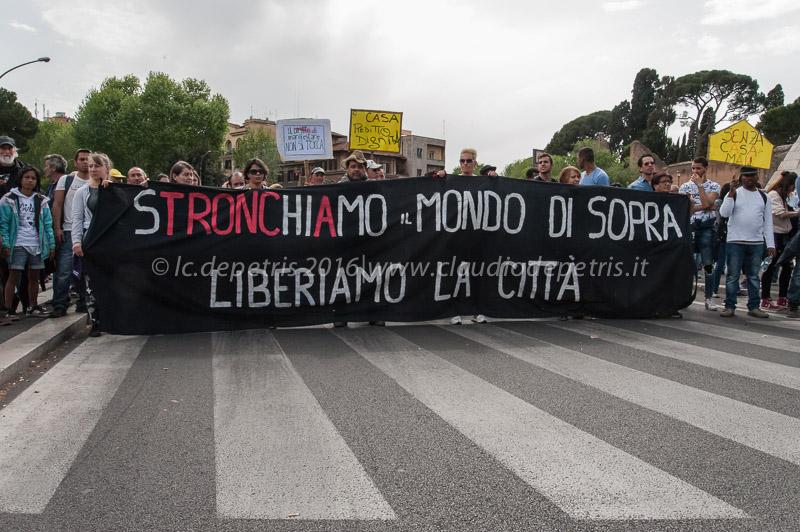 Manifestazione dei movimenti per la casa 16/4/2016