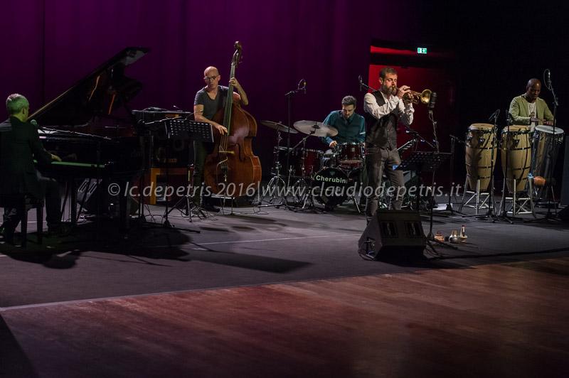 Enrico giaretta piano, Luca Bulgarelli contrabbasso, Fabrizio Bosso tromba, Stefano Corrias batteria, Neney Santos percussioni