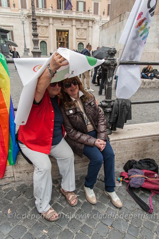 Dimostrazione per i diritti civili davanti al Parlamento, 11/5/2016