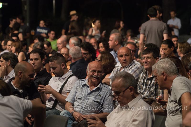 Gege Munari sorridente tra il pubblico della Casa del Jazz