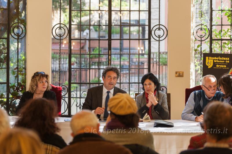 Rappresentante Consorzio Vini Orvieto (S), Giuseppe Germani Sindaco di Orvieto, Alessandra Cannistrà Assessore alla Cultura Comune di Orvieto e Carlo Pagnotta Direttore Artistico Umbria Jazz