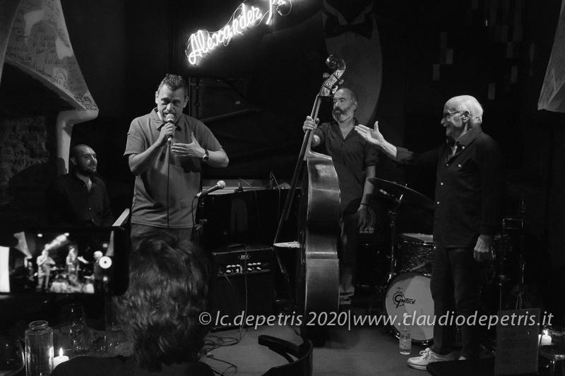 Eugenio Rubei presenta il concerto  di Gege MUnari