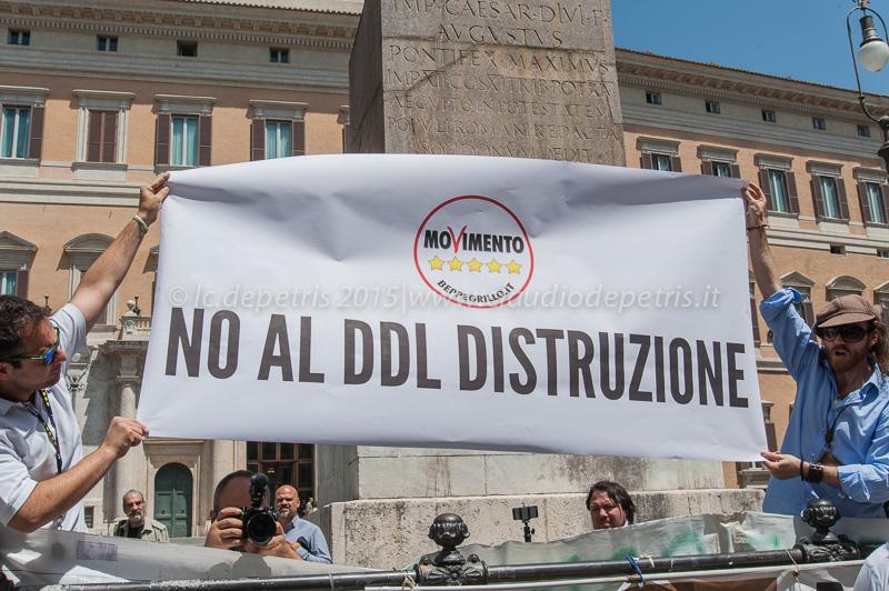 Montecitorio, presidio movimento 5 stelle contro il ddl scuola 19/5/2015