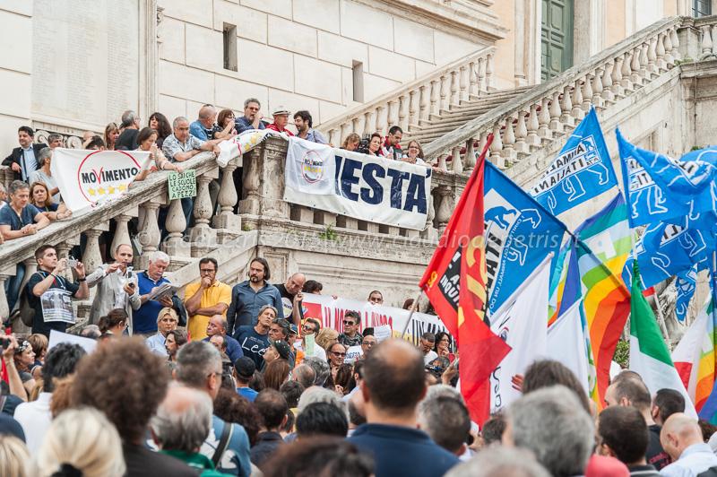 Marino dimettiti, piazza del Campidoglio 15/6/2015