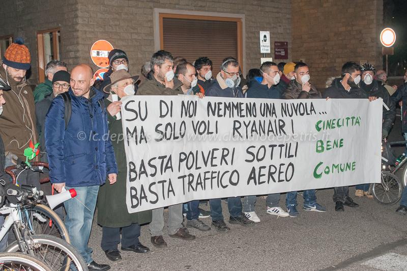 Dimostrazione a Cinecittà contro l'inquinamento, 30/12/2015