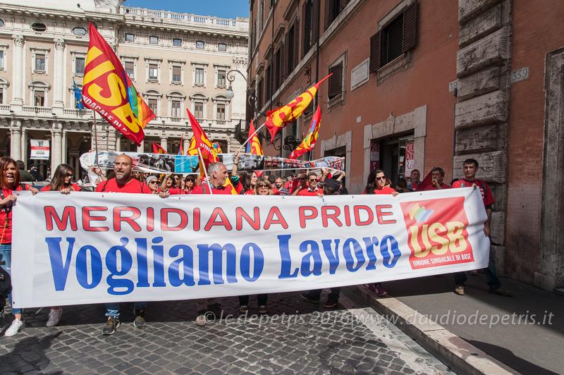 Lavoratori della Meridiana in corteo fino Palazzo Chigi, 12/5/2016