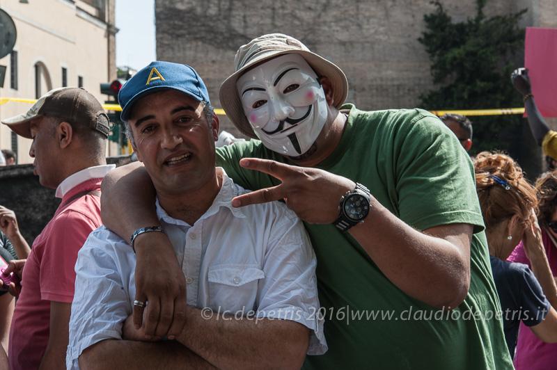 Manifestazione movimenti per il diritto all'abitare 28/5/2016