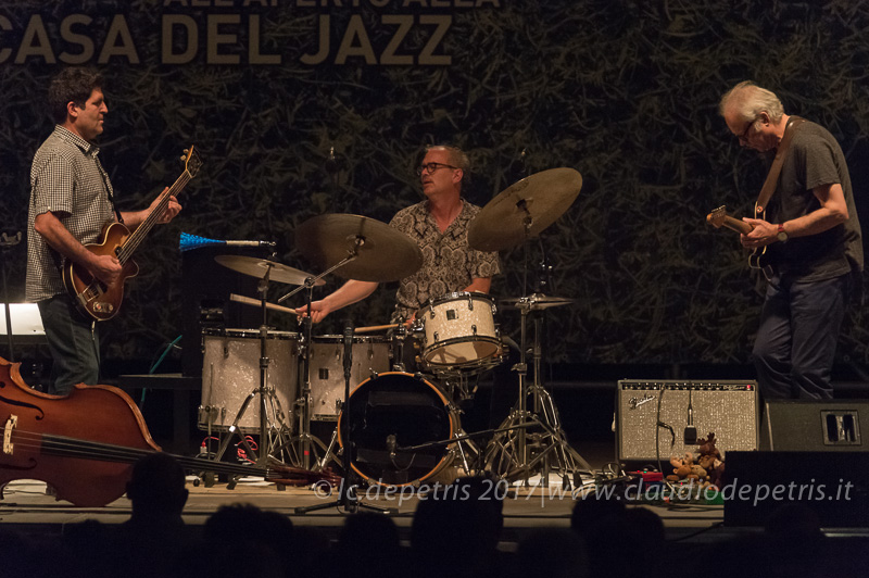 Tony Scherk (S), Kenny Wollesen (C), Bill Frisell (D)