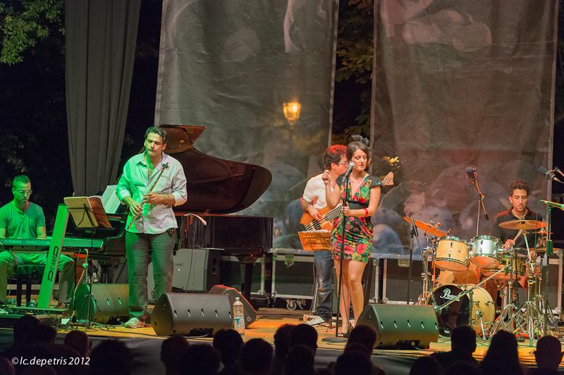 anima nova - faramusic festival - fara sabina - 3/8/2012 - gabriella cascella voce, vincenzo di martino chitarra, antonio di costanzo basso, stefano bottiglieri piano, domenico guastafierro flauto, federico maria perfetto batteria