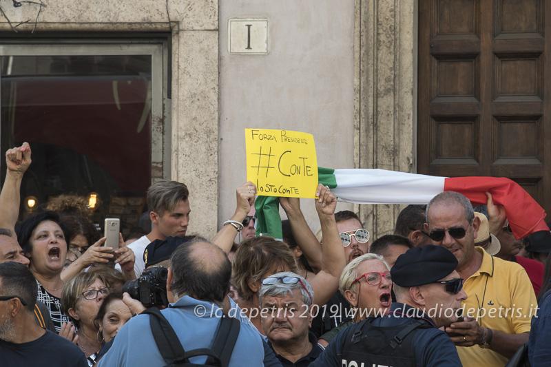 Roma 20/8/2019 Presidio sostenitori Premier Conte